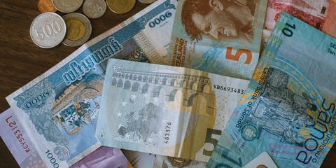 Assorted currency bank notes